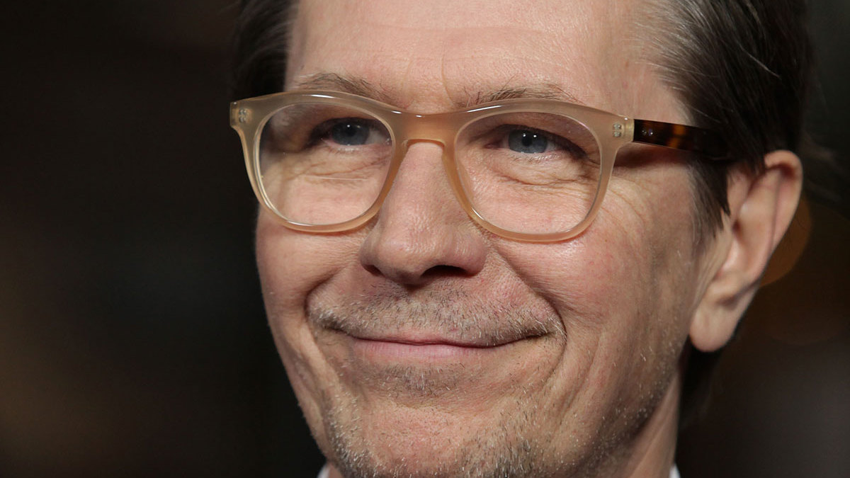 Gary Oldman en Carla Gugino gecast in sci-fi film 'Out of This World'