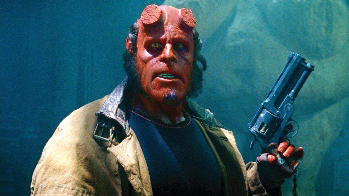 Ron Perlman: Geen crowdfunding voor 'Hellboy III'