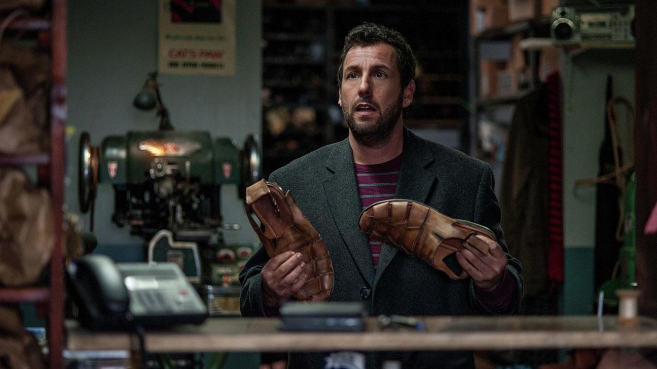 Adam Sandler stapt letterlijk in andermans schoenen in trailer 'The Cobbler'