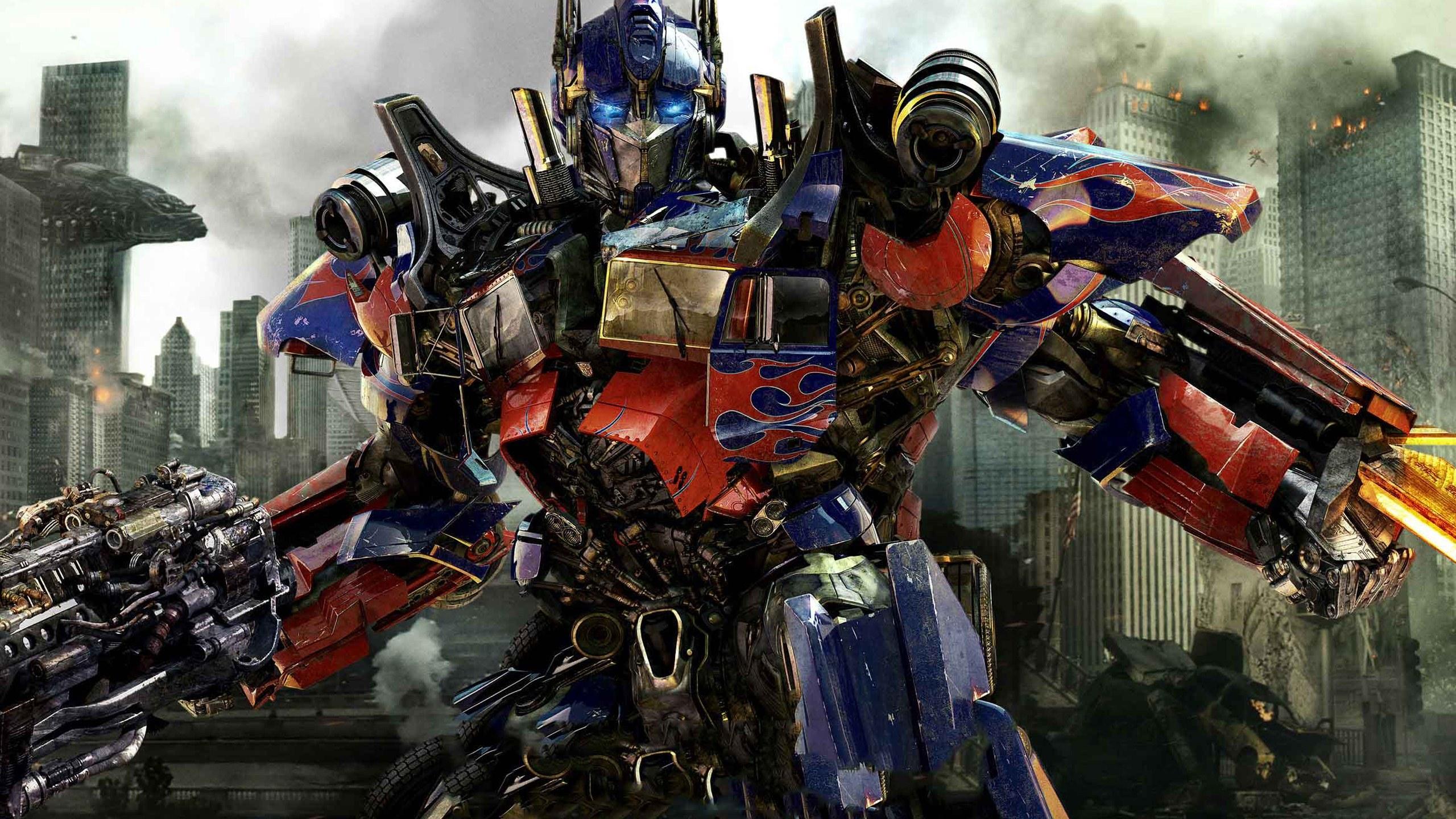 Michael Bay reageert op kritiek 'Transformers: Age of Extinction'