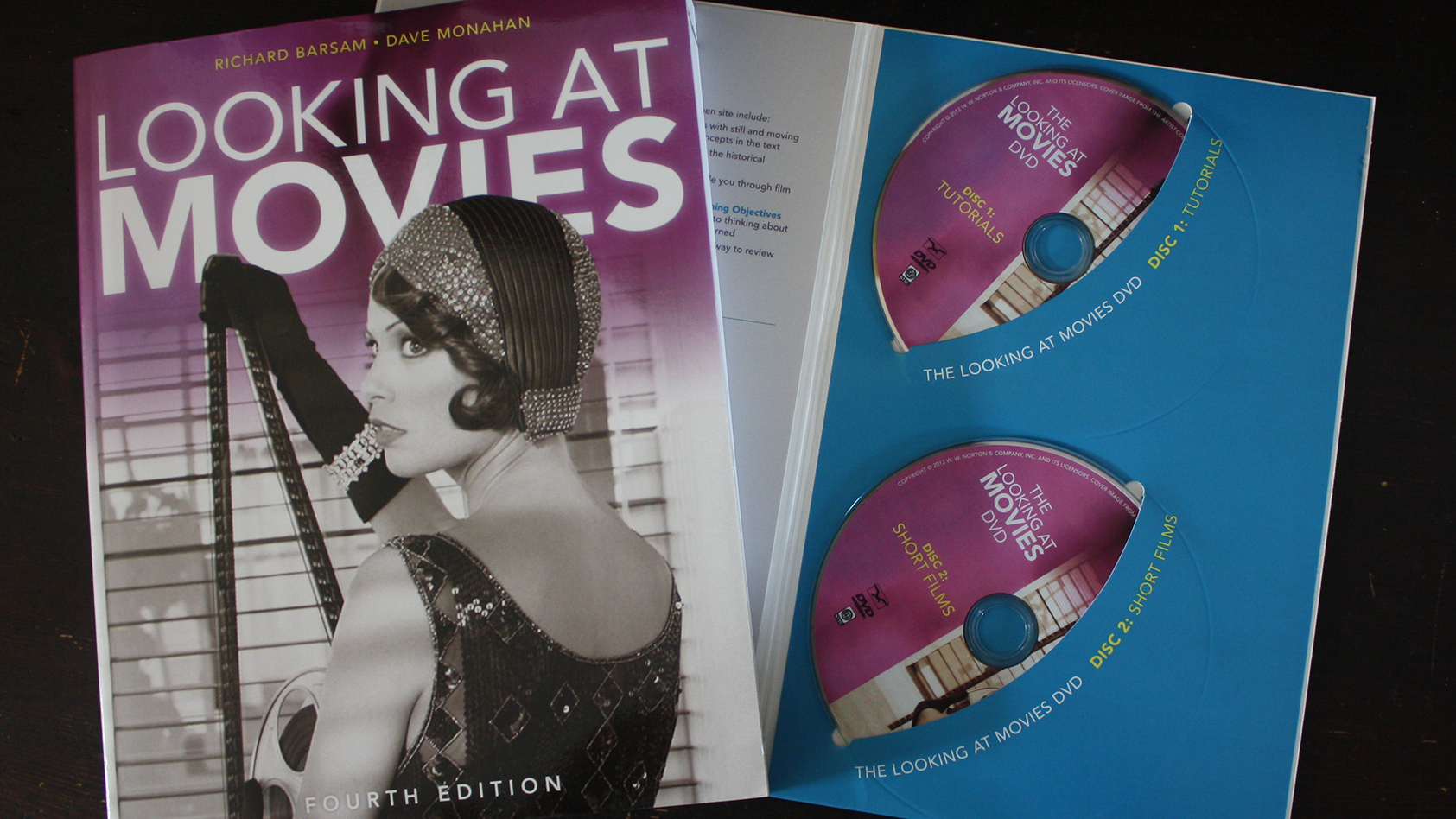 Fraai boek - Looking at Movies