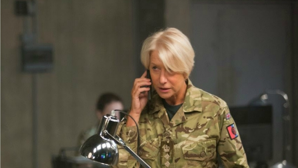 Helen Mirren leidt een drone-missie in trailer 'Eye in the Sky'