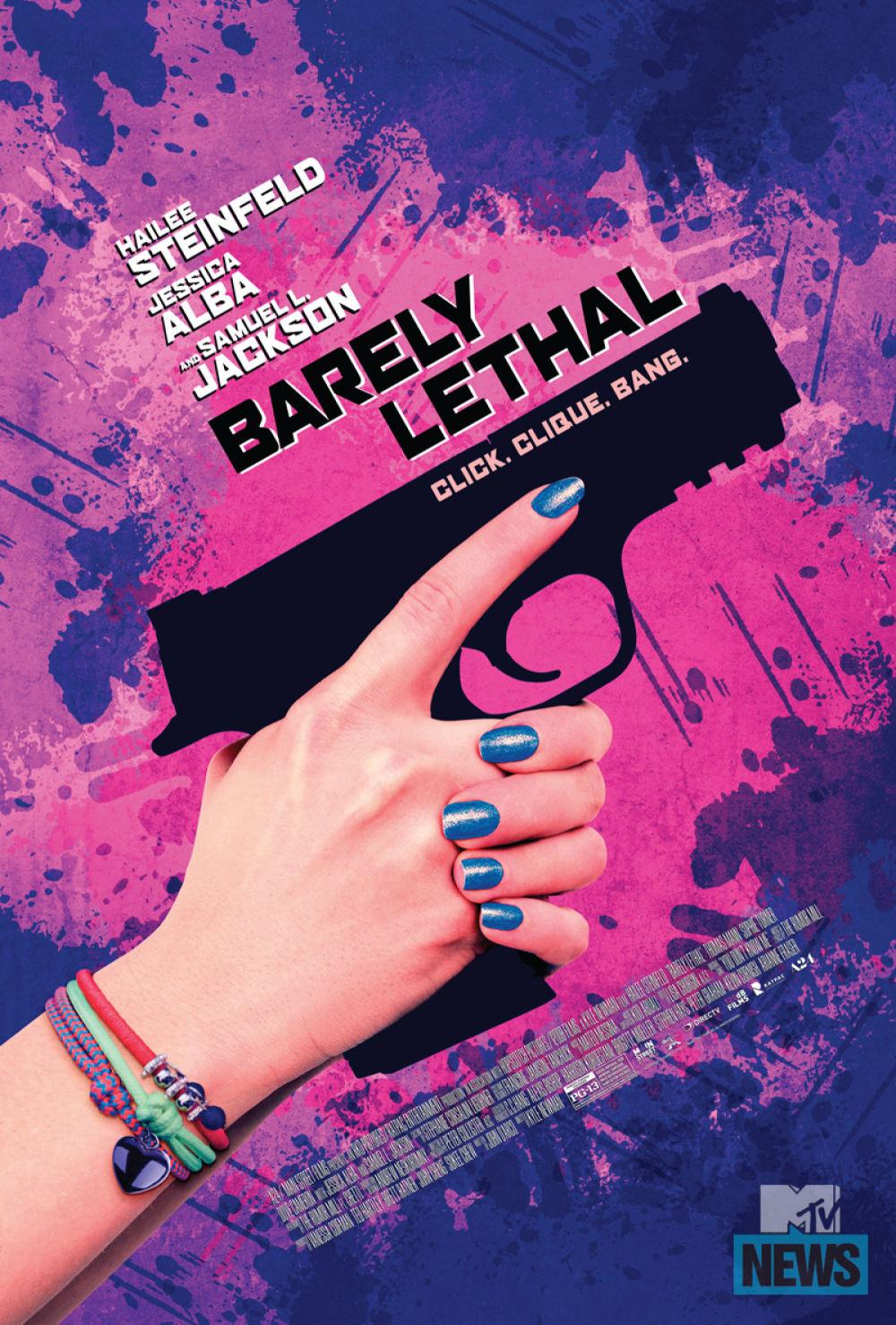 Clip 'Barely Lethal' toont vechtende Hailee Steinfeld en Sophie Turner