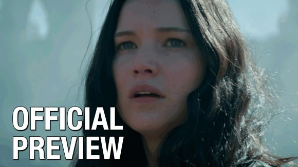 The Hunger Games: Mockingjay - Return to District 12 trailer