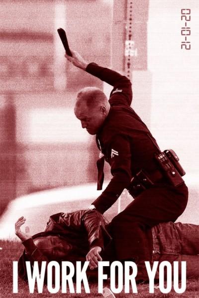 Virale poster 'Rampart': Woody Harrelson slaat een man tot moes