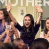 Mila Kunis en Kristen Bell in twee nieuwe trailers 'Bad Moms'