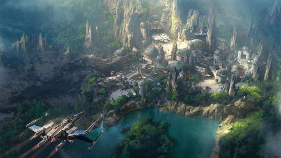 Prachtige blik op Walt Disney's enorme 'Star Wars Land'