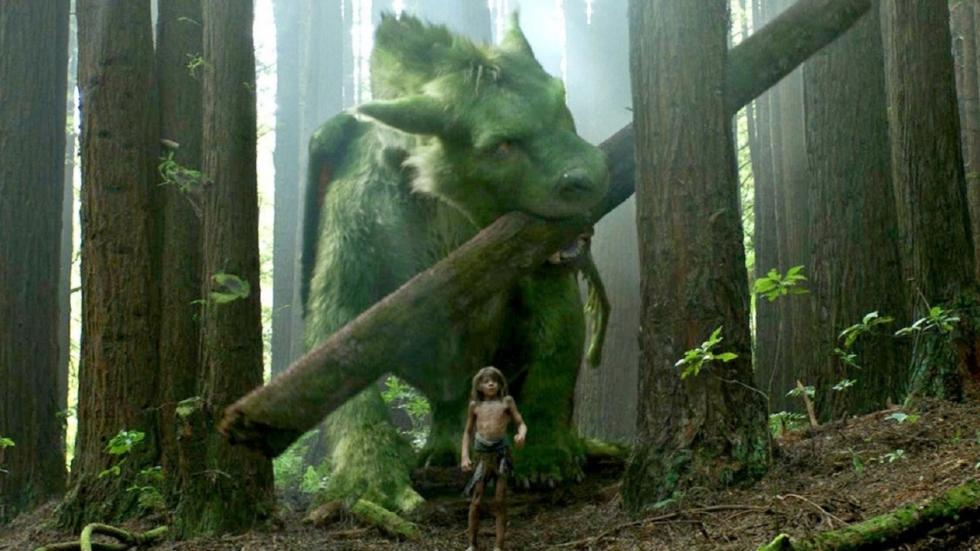 Elliot de draak laat zich zien in nieuwe clips 'Pete's Dragon'