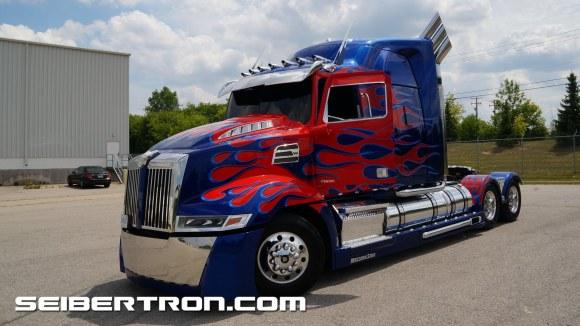 Transformers 5 The Last Knight Optimus Prime 180 degree stunt + inside + outside walkaround