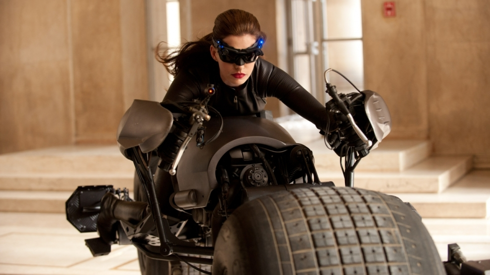Anne Hathaway wil graag 'Catwoman' spin-off maken