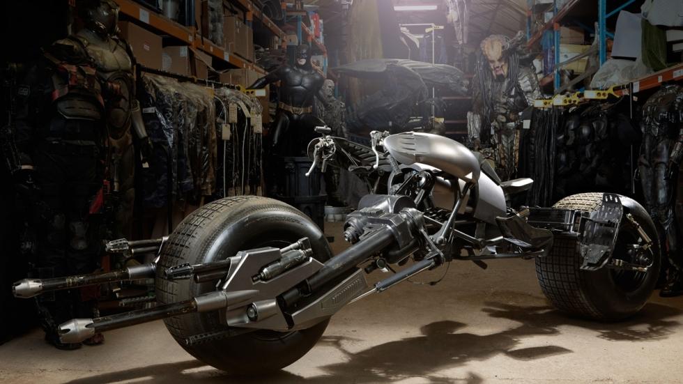 Batpod & -suit 'The Dark Knight' leveren bakken met geld op