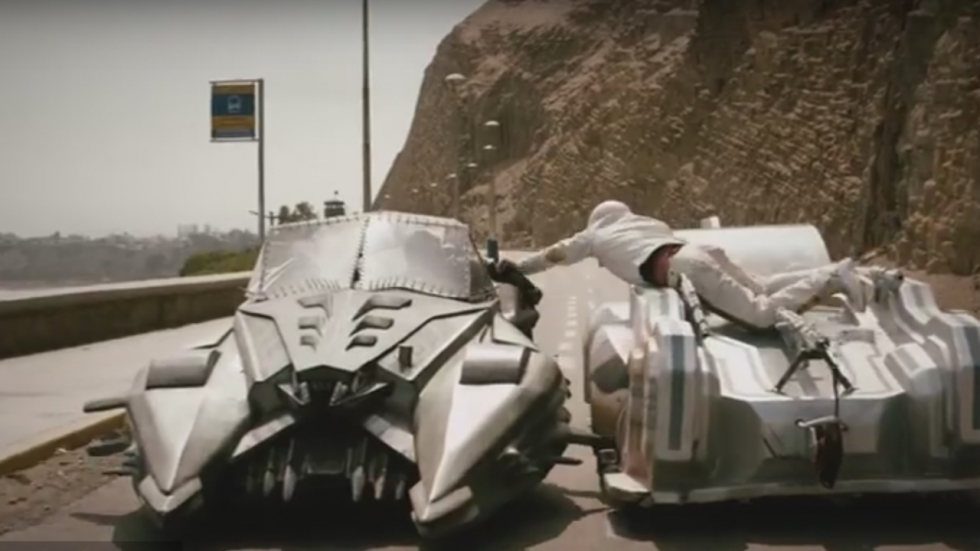 Chaos en moord in trailer 'Death Race 2050': 50 punten voor een bejaarde!