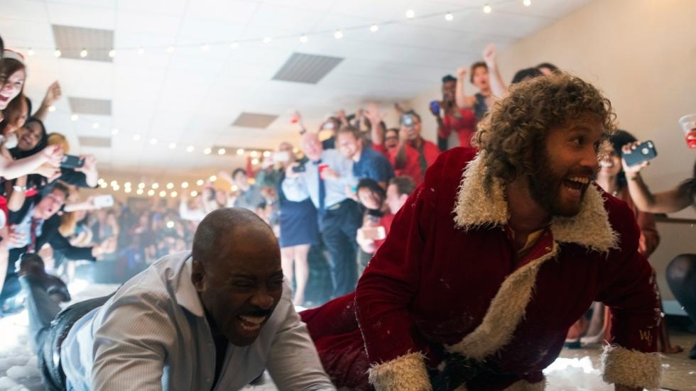 Vier korte tv-spotjes voor kerstkomedie 'Office Christmas Party'