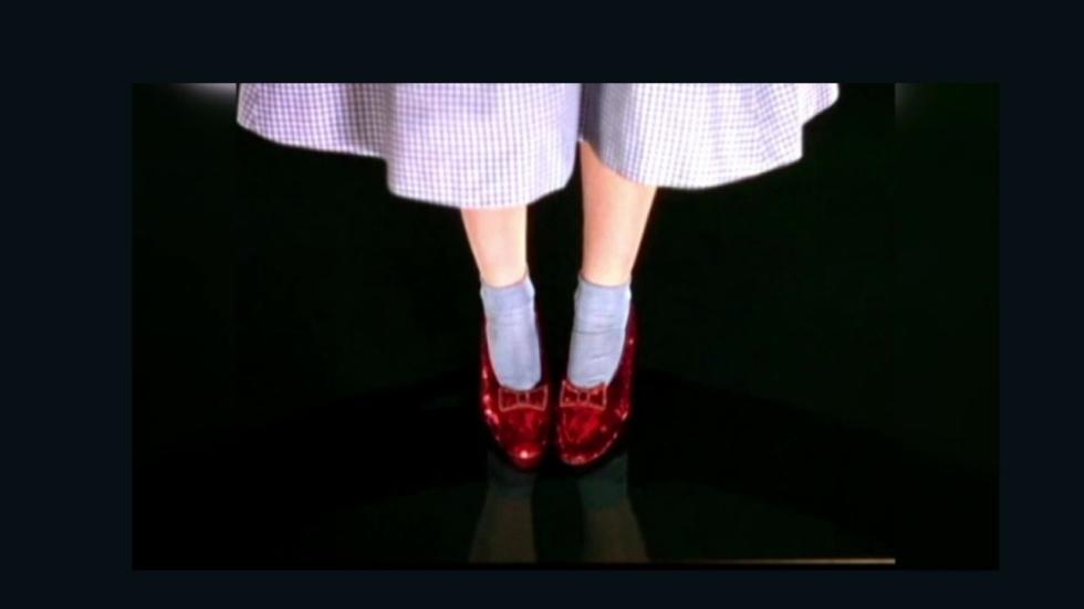 Crowdfunding voor de 'ruby slippers' uit 'The Wizard of Oz'