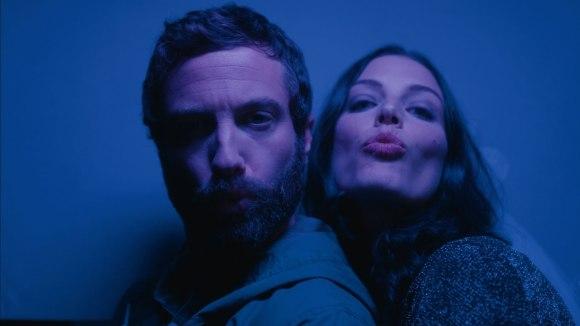 Het spook van de ex in 'Lovesick' trailer met Jessica Paré
