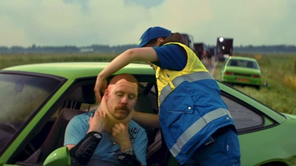 Superlompe eerste trailer 'Ron Goossens: Low-Budget Stuntman'