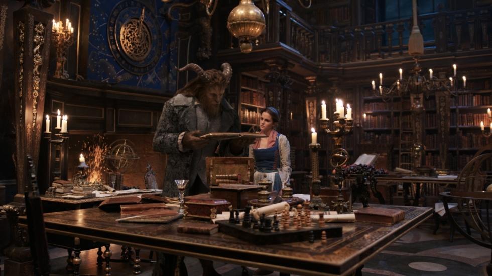 Bekijk een tv-spot van 'Beauty and the Beast'
