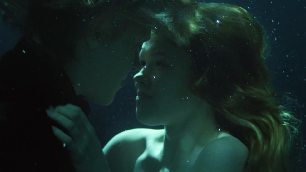 Verleidelijke mensetende zeemeerminnen in muzikale trailer 'The Lure'