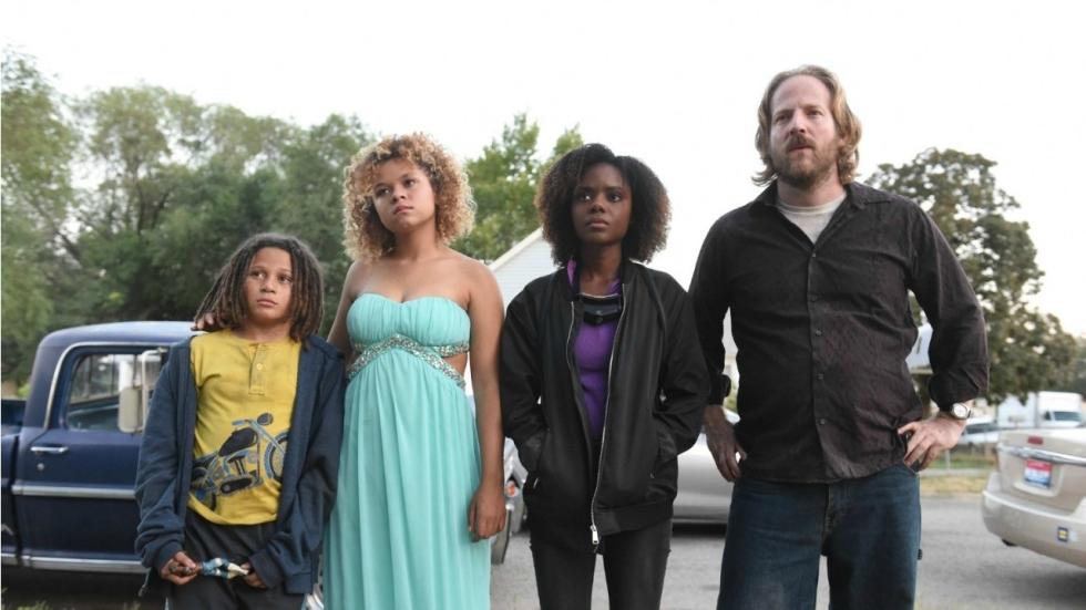 Netflix lanceert trailer misdaadkomedie 'Deidra & Laney Rob a Train'