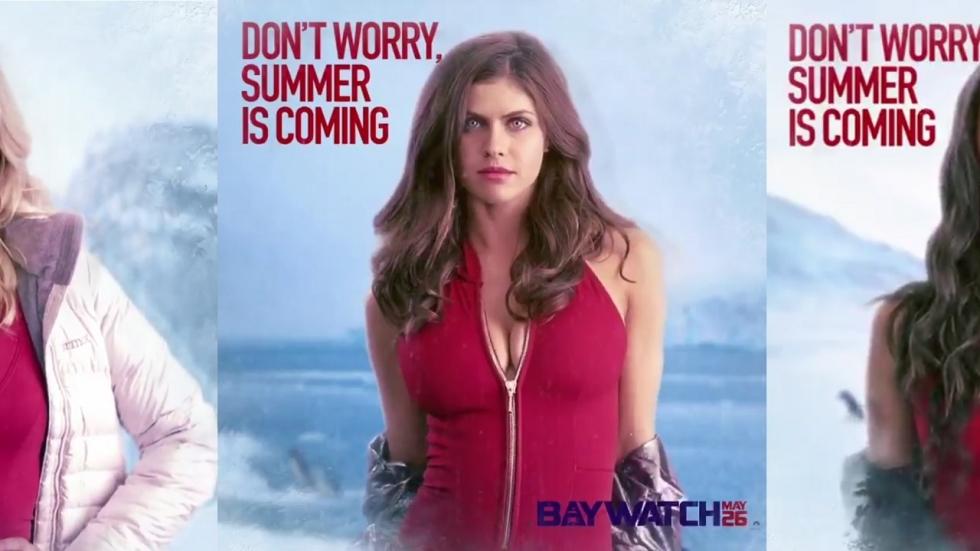 Flinke decolletés op bewegende posters 'Baywatch'