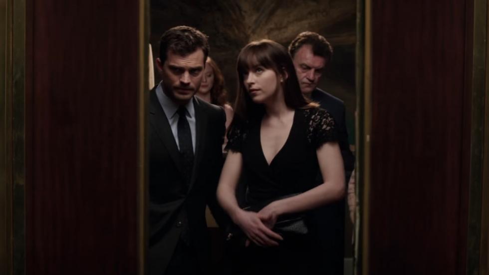 Gekreun in de lift in eerste clip 'Fifty Shades Darker'