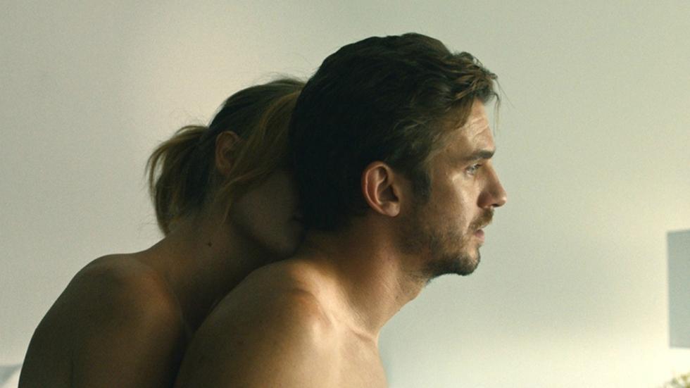 Dan Stevens is obsessief en ambitieus in intense trailer 'The Ticket'