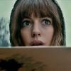 Anne Hathaway en Jason Sudeikis in nieuwe clip 'Colossal'