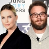 Seth Rogen probeert Charlize Theron te versieren in 'Flarsky'