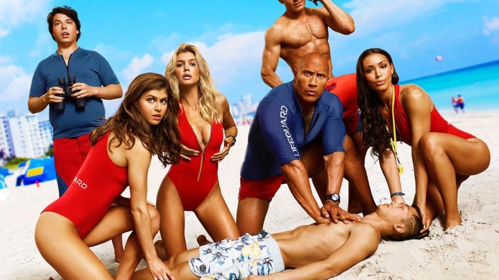 Nieuwe trailer 'Baywatch': Babes en The Rock!