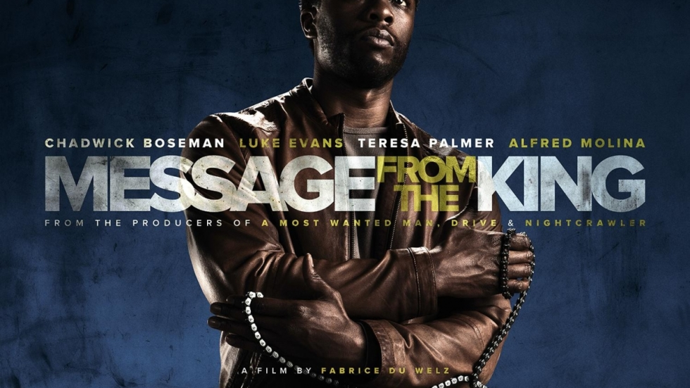Chadwick Boseman zoekt moordenaars van zijn zusje in trailer 'Message from the King'
