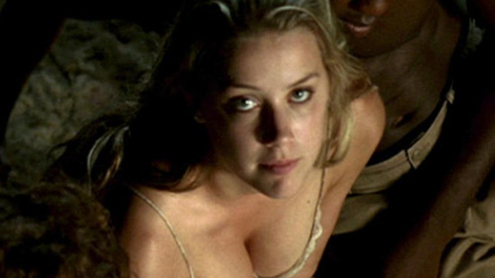 """Amber Heard slachtoffer van """"seksuele uitbuiting"""""""