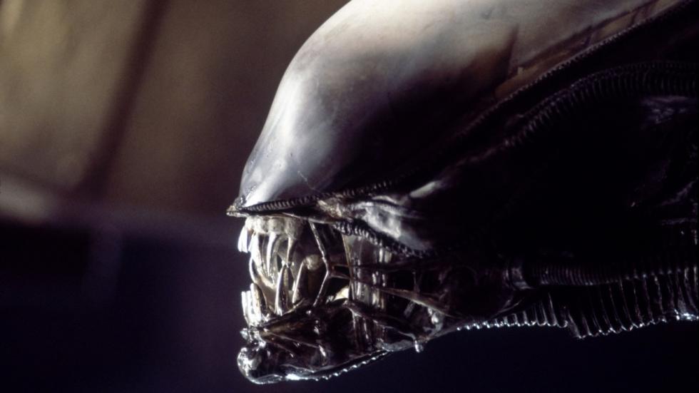 Stevig alternatief einde 'Alien' onthuld door Ridley Scott