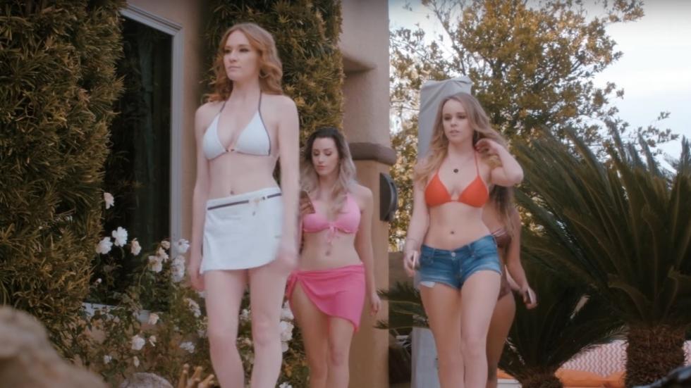 Bloederige trailer 'Pool Party Massacre'