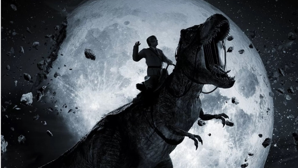 Hitler op T-Rex op poster 'Iron Sky 2: The Coming Race'