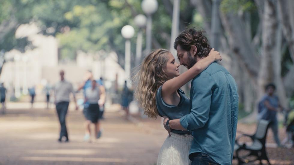 Eerste trailer Sci-Fi thriller '2:22' met Michiel Huisman
