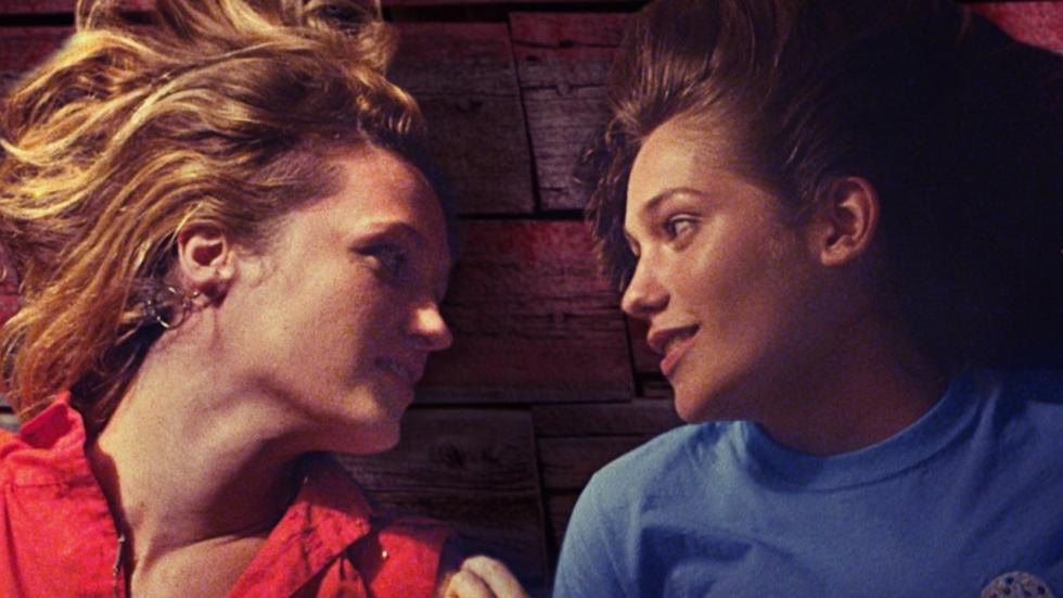 Ontroerende trailer lesbisch drama 'AWOL'