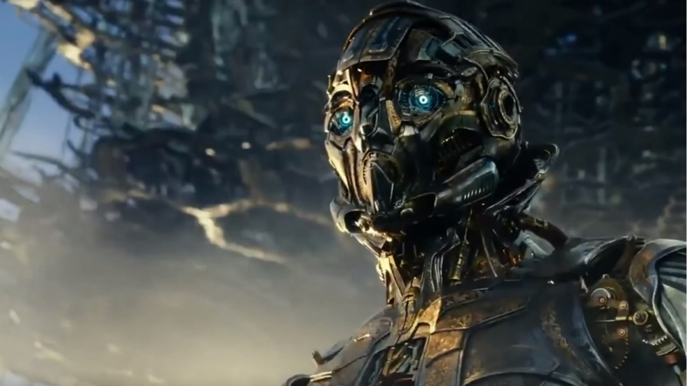 Optimus Prime op ramkoers in 'Transformers: The Last Knight' trailer!