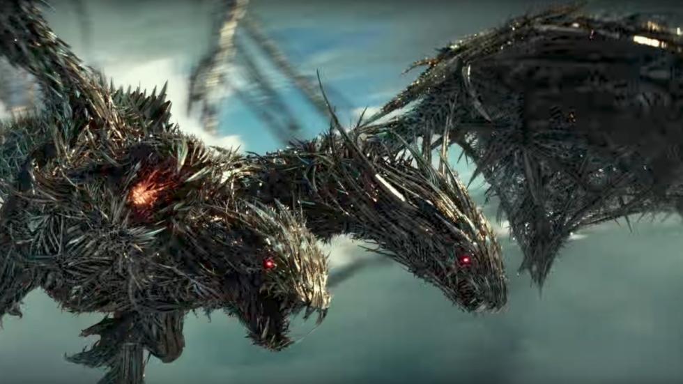 Driekoppige draak in nog een trailer 'Transformers: The Last Knight'