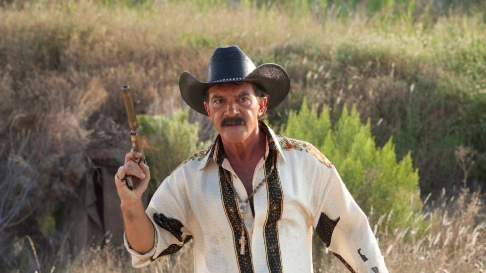 Ben Kingsley wil Antonio Banderas en een meisje ombrengen in trailer 'Security'