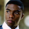 'Black Panther' Chadwick Boseman deelt gerechtigheid uit in 'Marshall' trailer