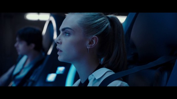 Valerian and the City of a Thousand Planets - Clip: Leaving Exo-space