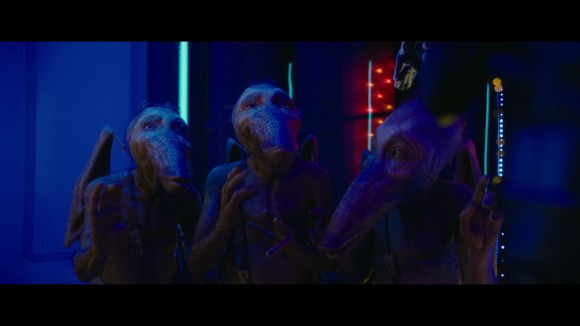 Valerian and the City of a Thousand Planets - Clip: Clearly You've Never Met a Woman