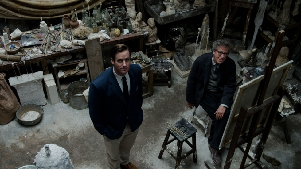 Gekke Geoffrey Rush probeert Armie Hammer te schilderen in trailer 'Final Portrait'