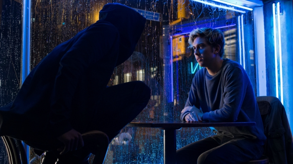 L confronteert Light in clip Netflix-film 'Death Note'