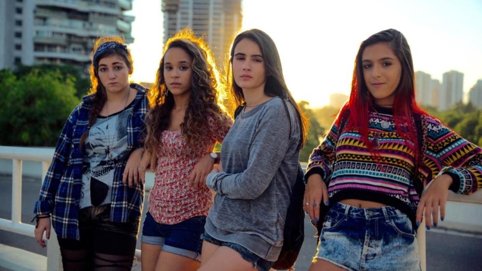 Ouderwetse tienerhorror in trailer 'Kill Me Please'