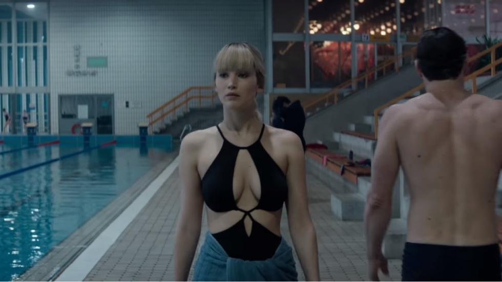 Jennifer Lawrence dodelijk verleidelijk in 'Red Sparrow' trailer