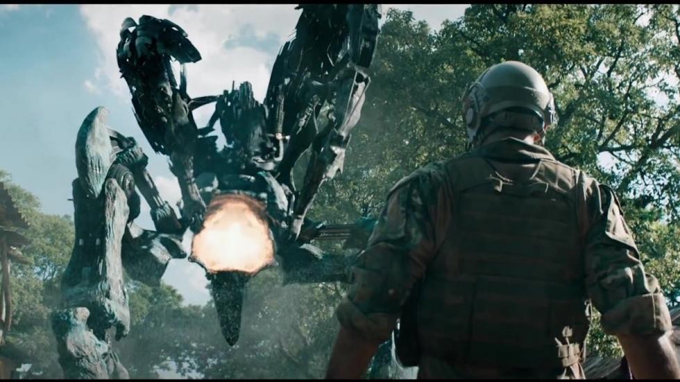Verwoestende buitenaardse wezens in 'Revolt' trailer