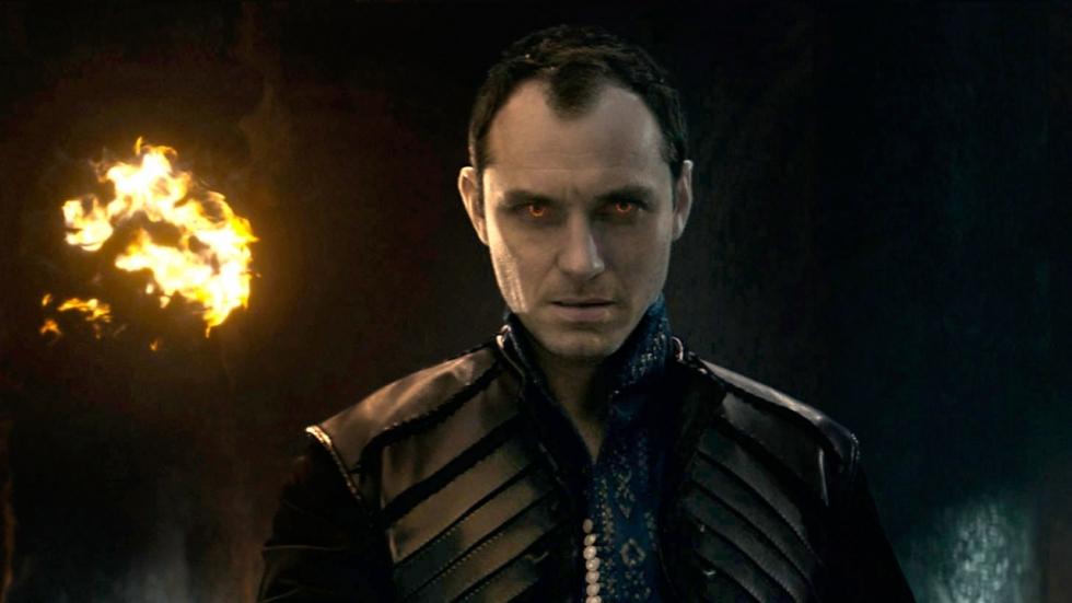 Blu-ray review 'King Arthur: Legend of the Sword': Onnodige monsterflop?