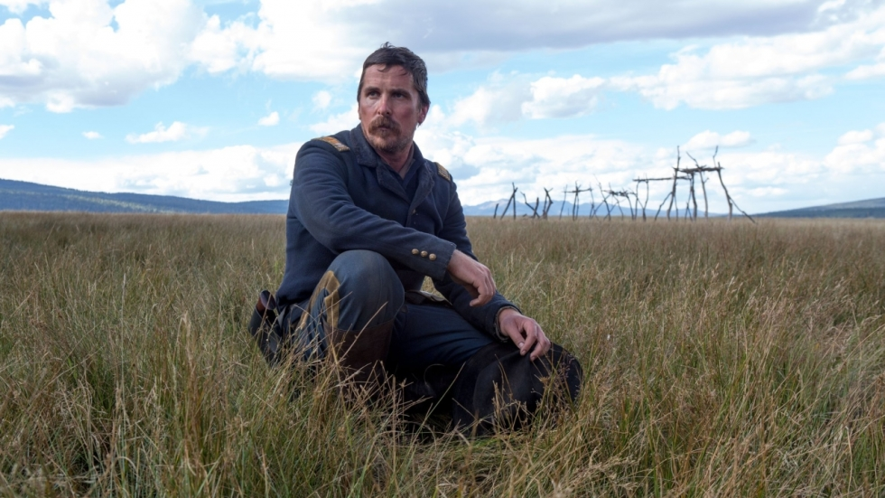 Christian Bale reist door het wilde westen in trailer 'Hostiles'