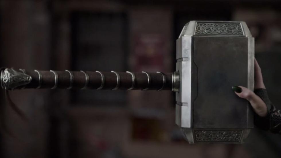 Clip 'Thor: Ragnarok': vaarwel Mjölnir